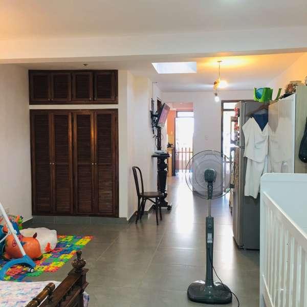 Casa de 6 cuartos y 3 baños por $ 130.000