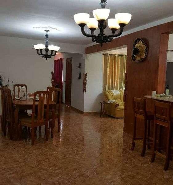 Casa de 3 cuartos, 4 baños y 1 garaje por $ 170.000