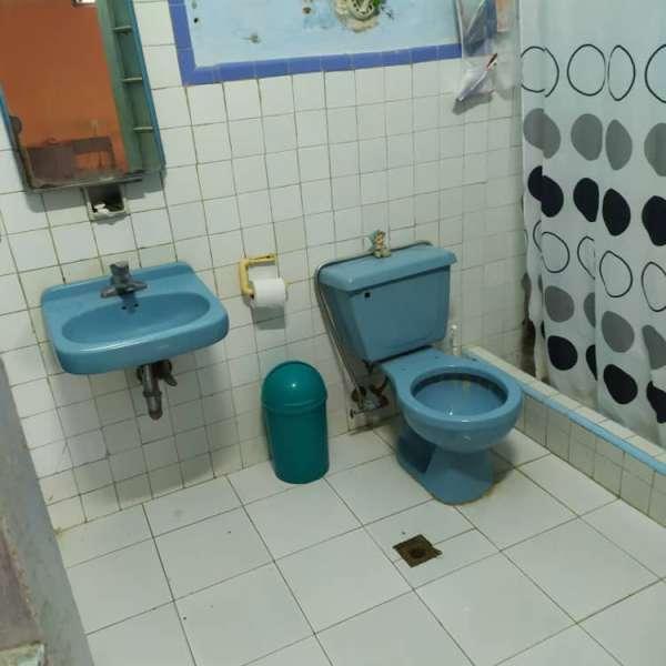 Casa de 6 cuartos y 2 baños por $ 180.000