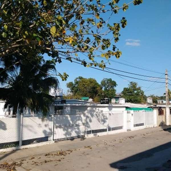 Casa de 4 cuartos, 5 baños y 2 garajes por $ 170.000