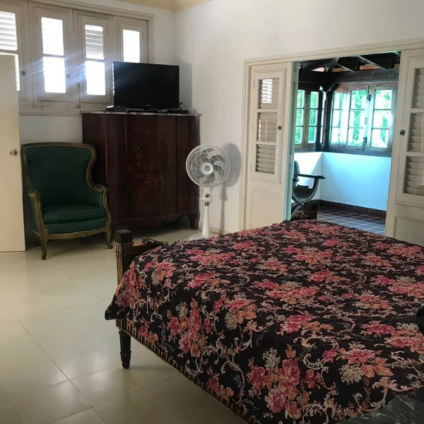 Casa de 4 cuartos, 4 baños y 1 garaje por $ 300.000