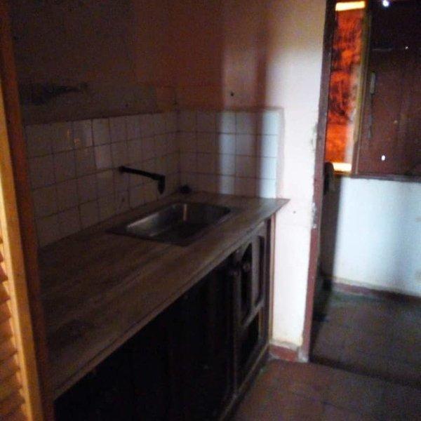 Apartamento de 2 cuartos y 1 baño por $ 6.000
