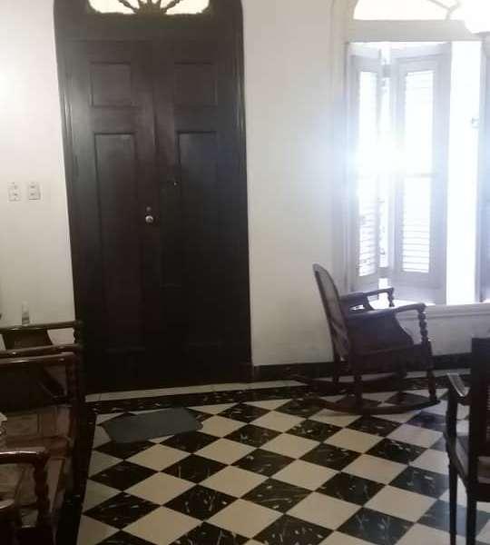 Casa de 6 cuartos, 3 baños y 1 garaje por $ 220.000