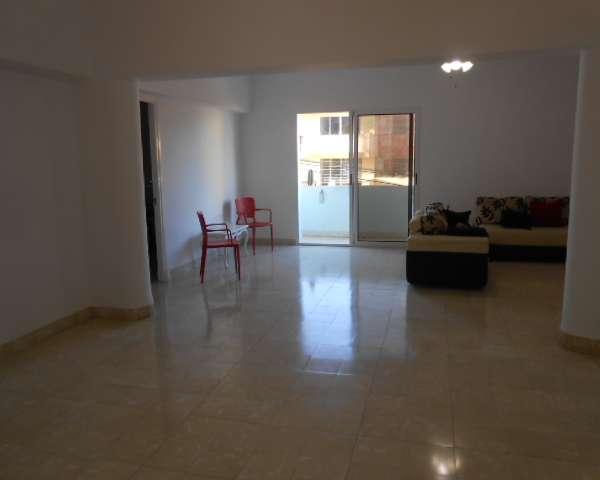 Apartamento de 3 cuartos y 3 baños por $ 150.000