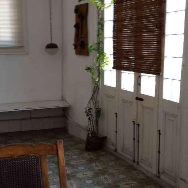 Casa de 6 cuartos y 4 baños por $ 220.000