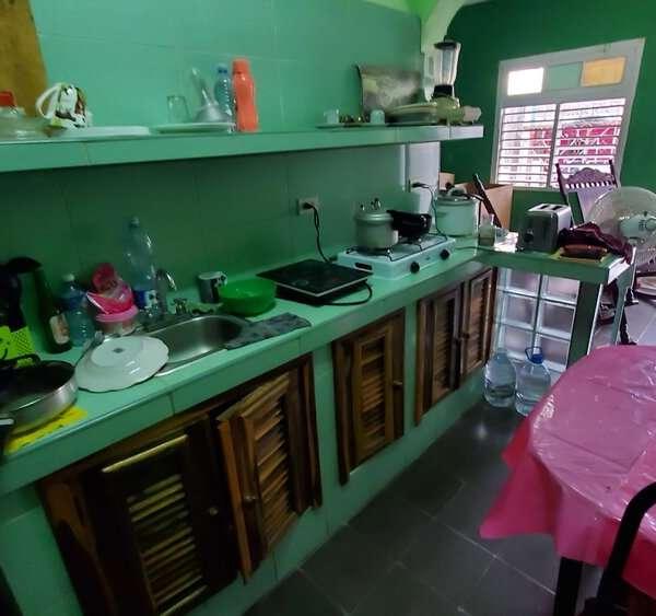 Casa de 2 cuartos y 1 baño por $ 12.000
