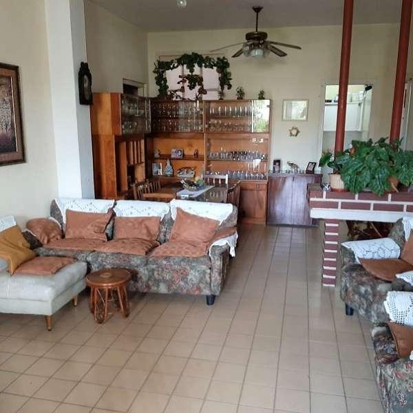 Apartamento de 4 cuartos, 2 baños y 1 garaje por $ 95.000