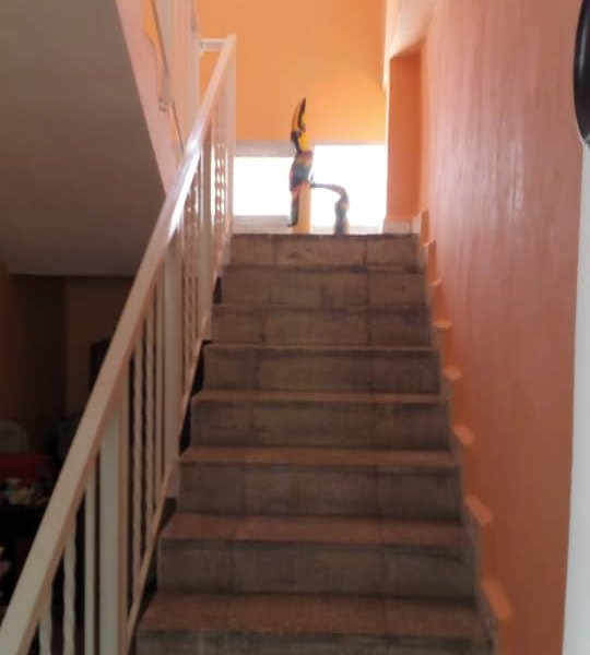 Casa de 3 cuartos, 2 baños y 1 garaje por $ 160.000