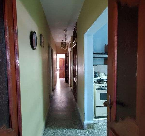 Casa de 6 cuartos, 6 baños y 1 garaje por $ 230.000