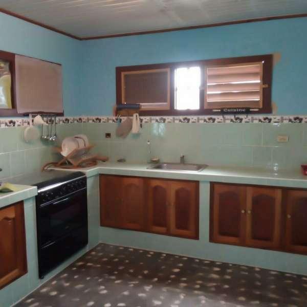 Casa de 3 cuartos y 2 baños por $ 54.000