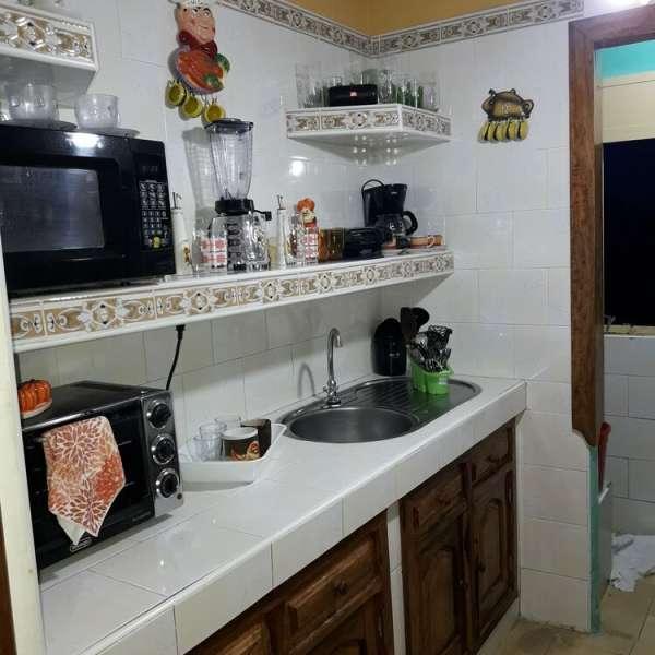 Apartamento de 3 cuartos y 1 baño por $ 15.000