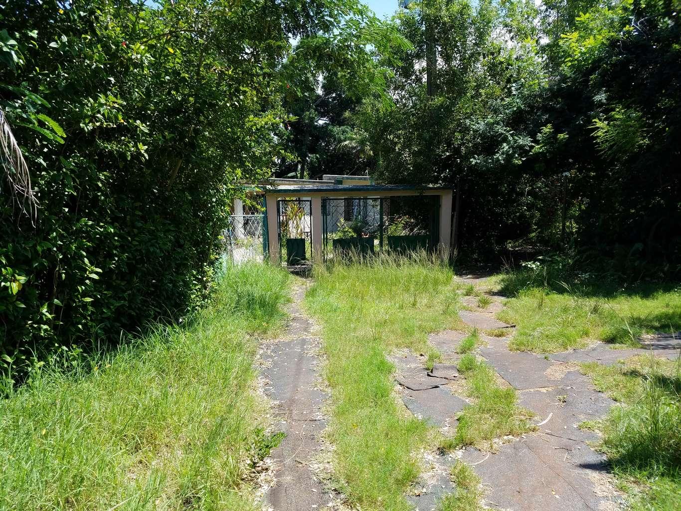 HEC1009: Casa de 3 cuartos y 2 baños por $ 60.000 en La Habana del Este, La Habana