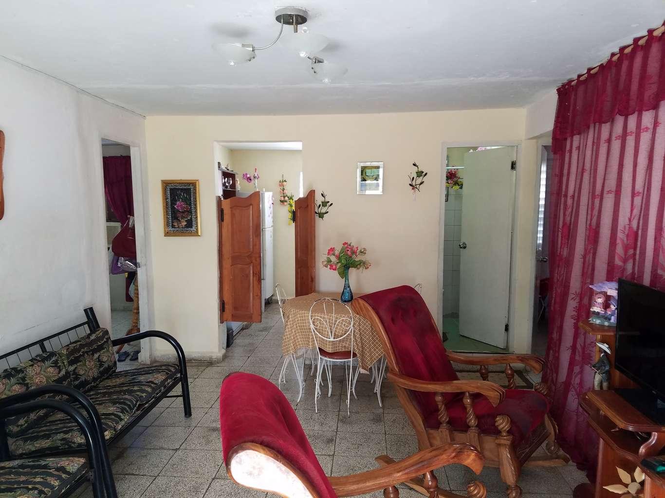 HEC1028: Apartamento de 3 cuartos y 1 baño por $ 24.000 en Cienfuegos, Cienfuegos