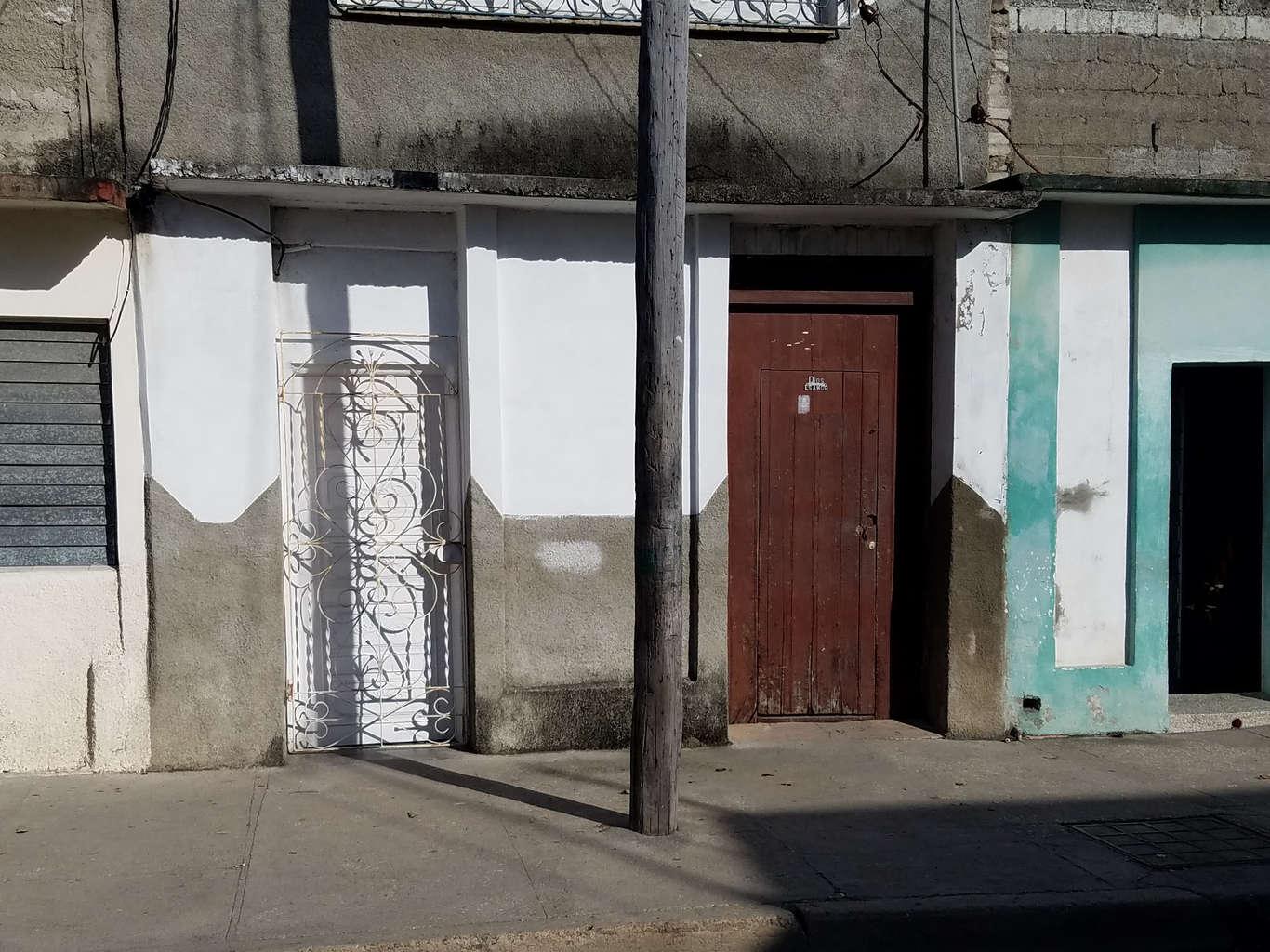 HEC1030: Casa de 3 cuartos y 1 baño por $ 13.000 en Cienfuegos, Cienfuegos