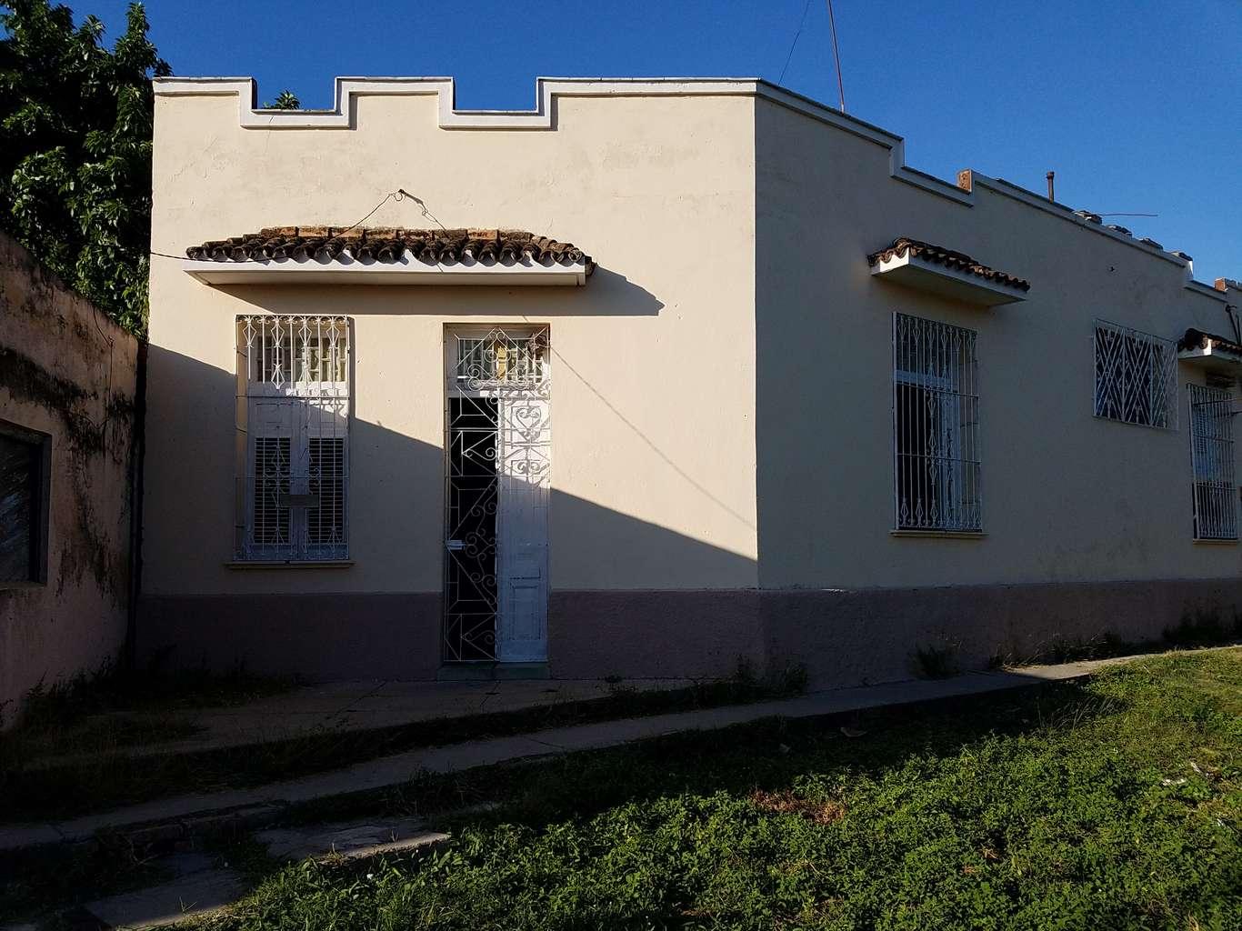 HEC1039: Casa de 2 cuartos y 1 baño por $ 30.000 en Cienfuegos, Cienfuegos