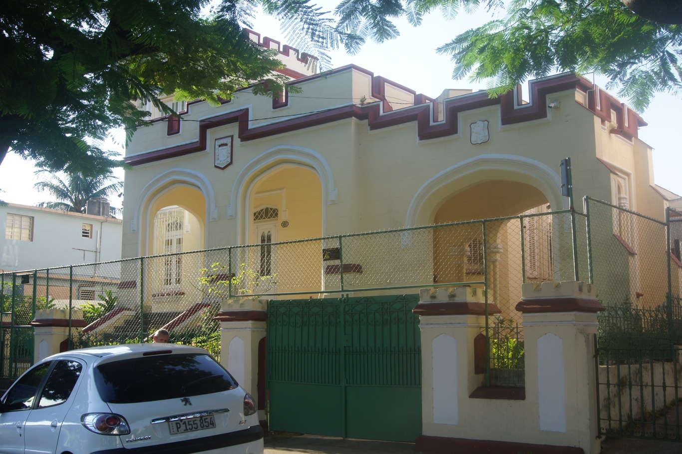 HEC1041: Casa de 5 cuartos, 3 baños y 1 garaje por $ 390.000 en Diez de Octubre, La Habana