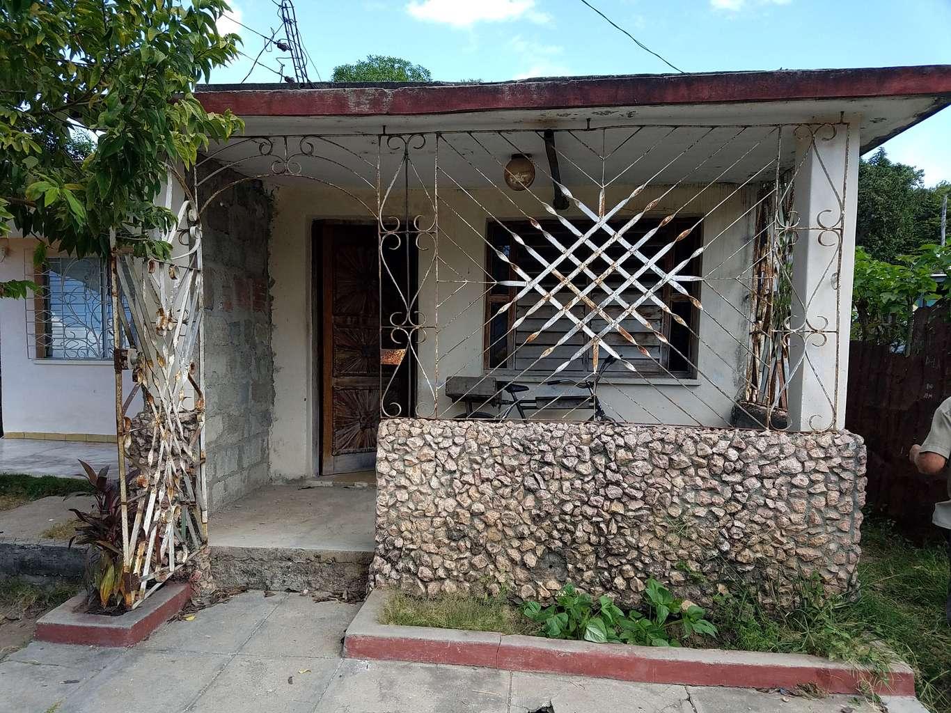 HEC1053: Casa de 2 cuartos y 1 baño por $ 13.000 en Cienfuegos, Cienfuegos