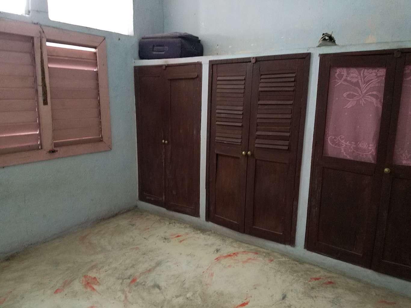 HEC1054: Casa de 2 cuartos, 1 baño y 1 garaje por $ 16.000 en Cienfuegos, Cienfuegos