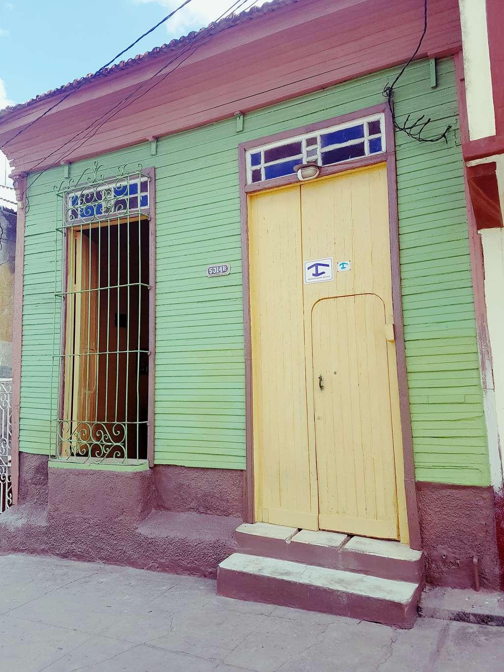 HEC1083: Casa de 5 cuartos y 3 baños por $ 50.000 en Cienfuegos, Cienfuegos