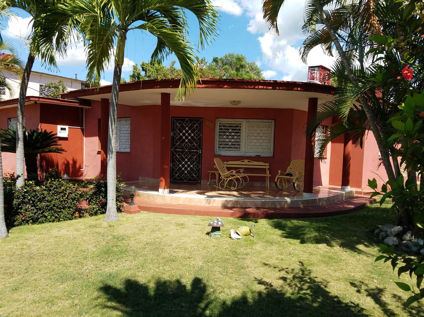 HEC1099: Casa de 6 cuartos, 6 baños y 1 garaje por $ 270.000 en Cienfuegos, Cienfuegos