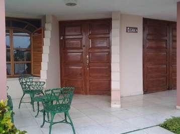 Casa en venta en Cienfuegos con  2 cuartos y 2 baños por $100,000