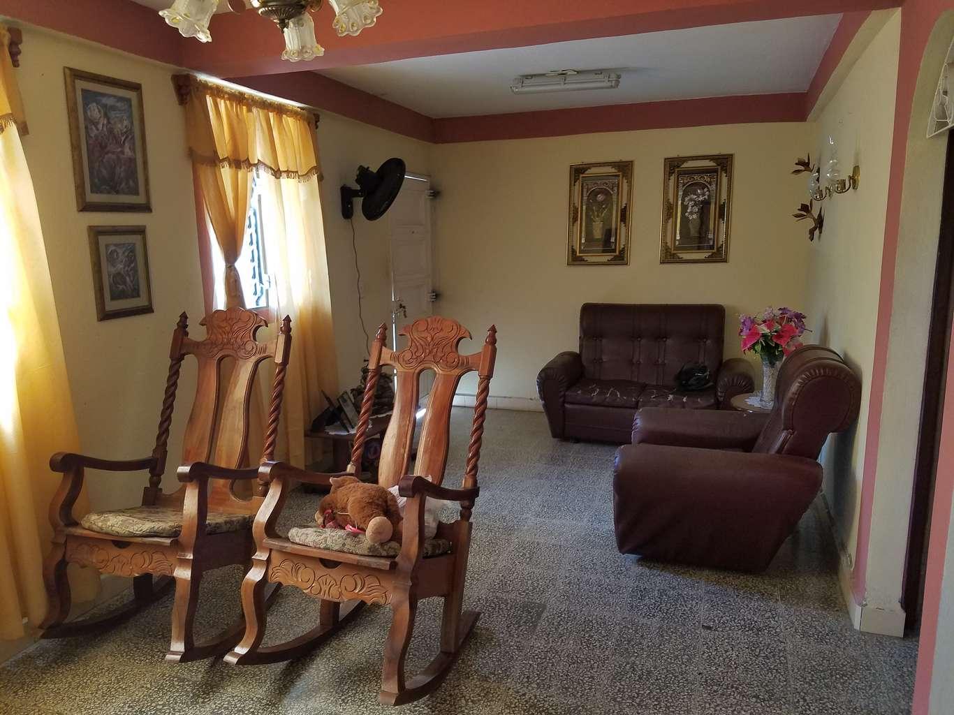 HEC1139: Casa de 3 cuartos, 3 baños y 1 garaje por $ 35.000 en Cienfuegos, Cienfuegos