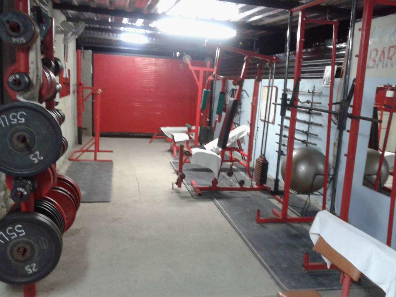HEC1140: Casa de 4 cuartos, 4 baños y 1 garaje por $ 170.000 en Cienfuegos, Cienfuegos