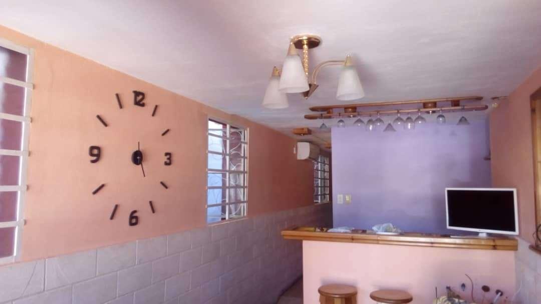 HEC1149: Casa de 1 cuarto, 1 baño y 1 garaje por $ 32.000 en Plaza de la Revolución, La Habana