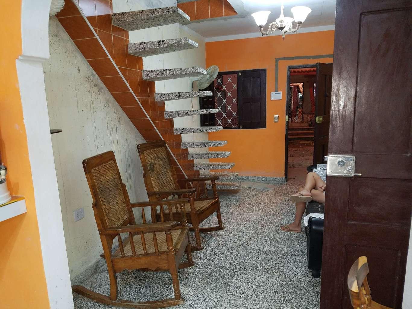 HEC1152: Casa de 4 cuartos, 4 baños y 1 garaje por $ 50.000 en Cienfuegos, Cienfuegos