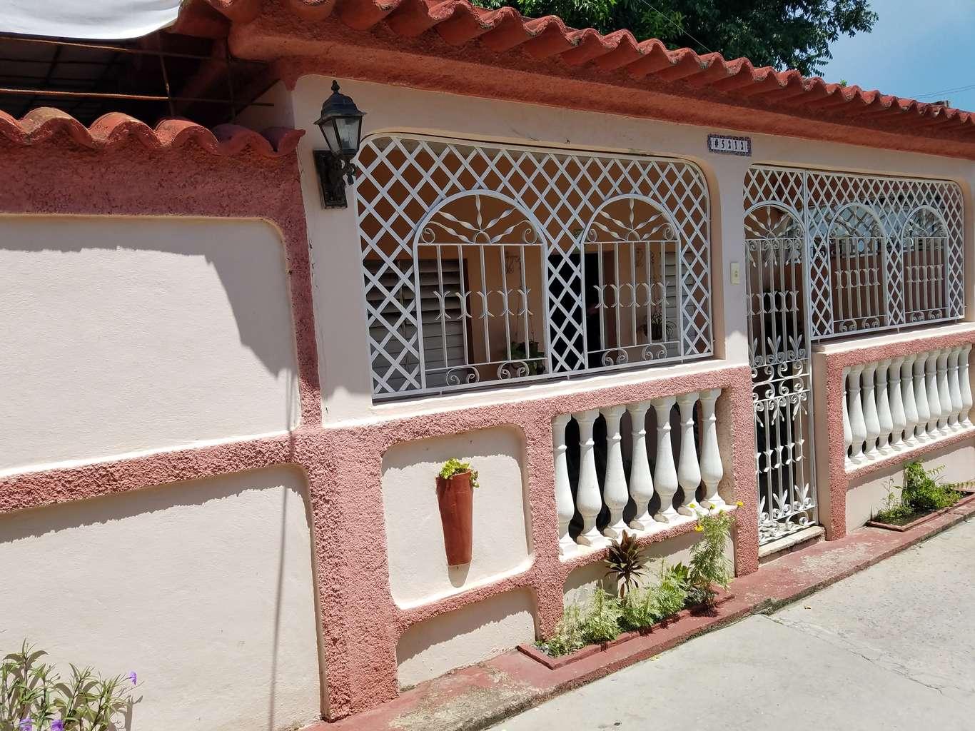 HEC1161: Casa de  1 cuarto, 1 baño y 1 garaje por $ 23.000 en Cienfuegos, Cienfuegos