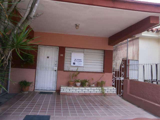 HEC1172: Apartamento de 4 cuartos y 3 baños por $ 90.000 en Diez de Octubre, La Habana