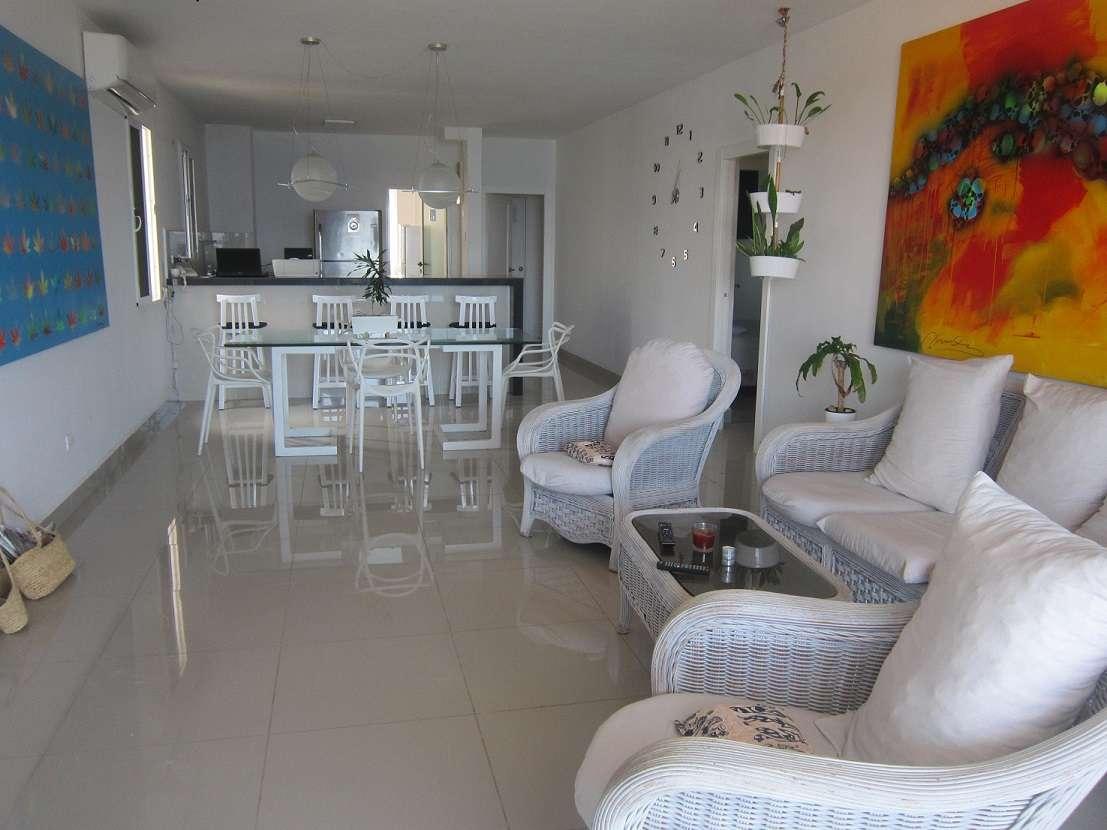 HEC1175: Apartamento de 4 cuartos, 3 baños y 1 garaje por $ 250.000 en Playa, La Habana