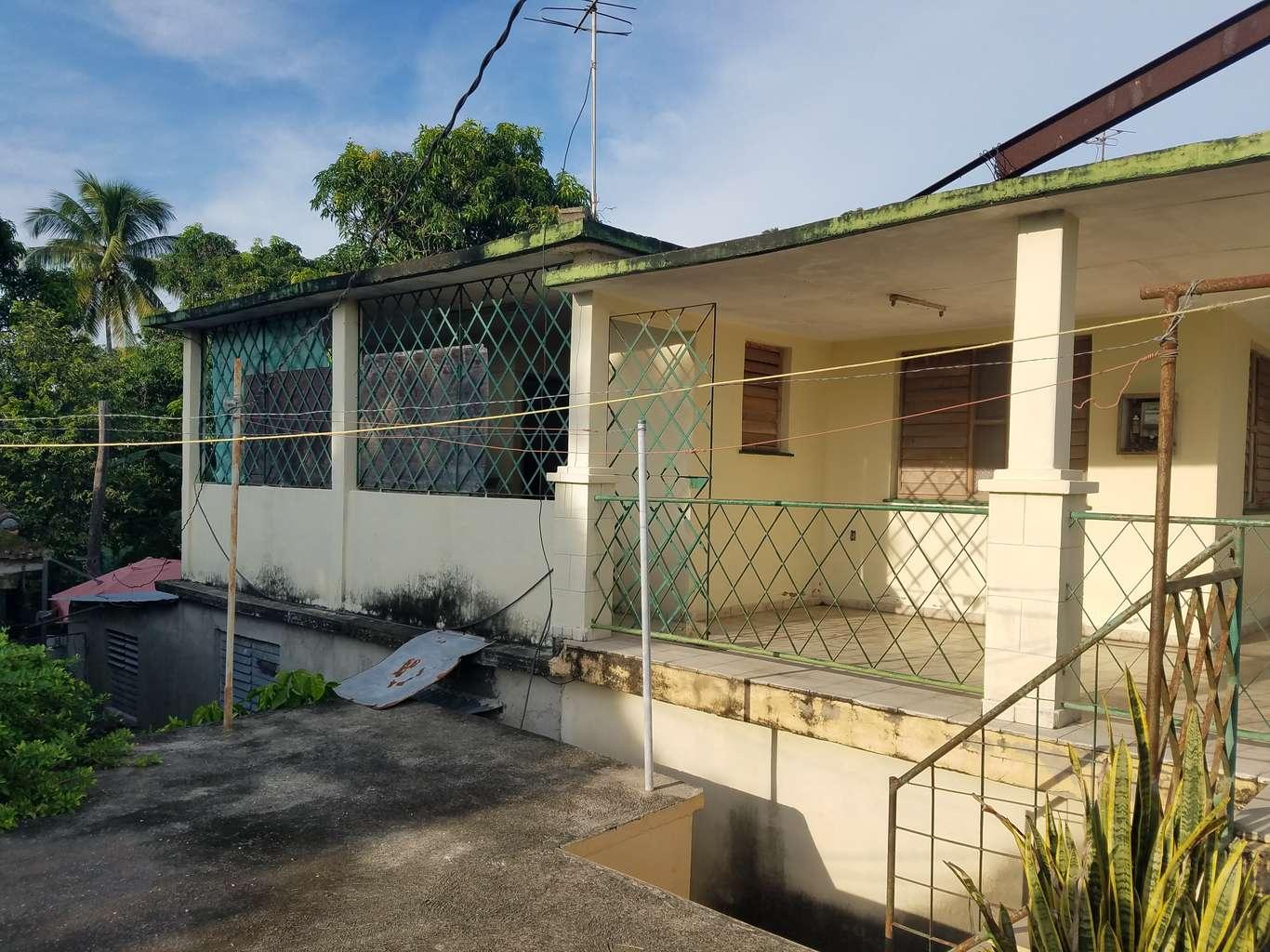 HEC1180: Casa de 3 cuartos, 2 baños y 1 garaje por $ 23.000 en Cienfuegos, Cienfuegos