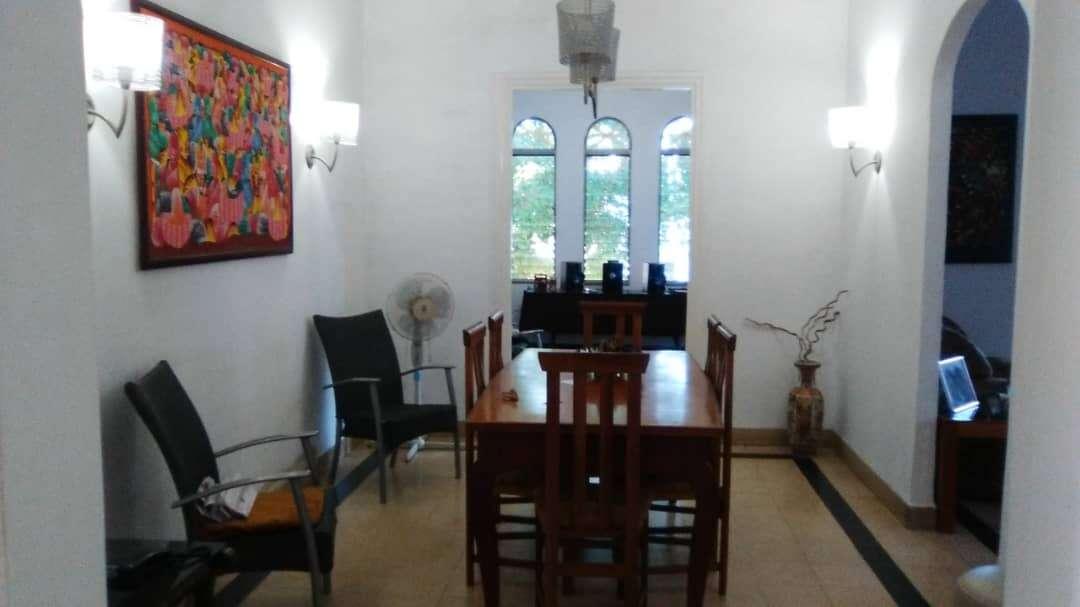 HEC1186: Apartamento de 4 cuartos y 3 baños por $ 180.000 en Plaza de la Revolución, La Habana