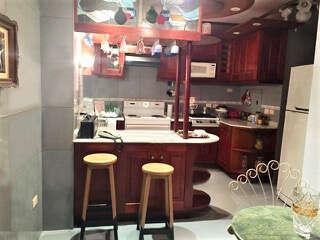HEC1189: Apartamento de 4 cuartos, 3 baños y 1 garaje por $ 150.000 en Plaza de la Revolución, La Habana