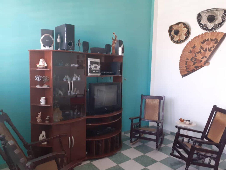 HEC1203: Casa de 3 cuartos y 2 baños por $ 33.000 en Cerro, La Habana