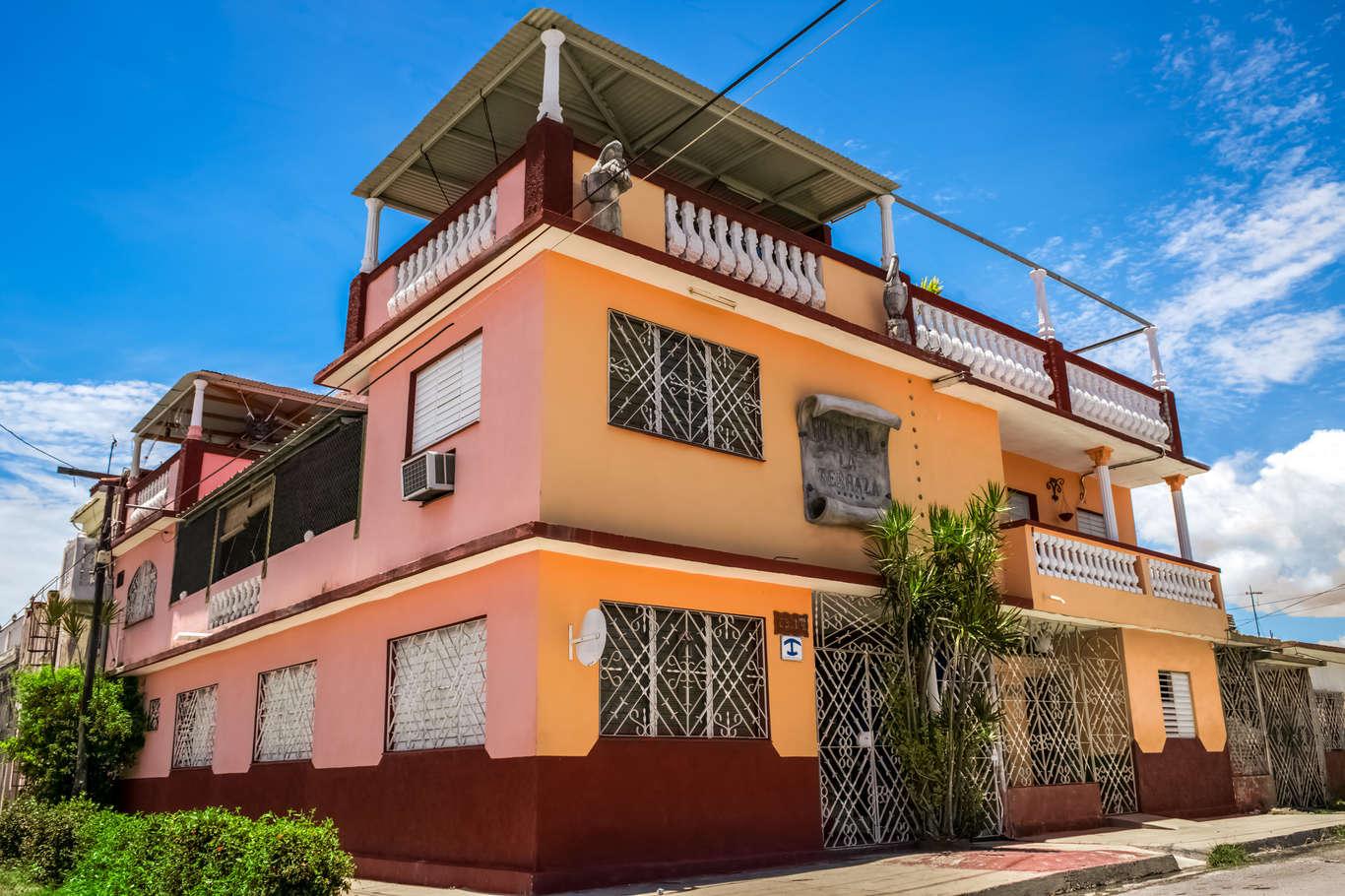 HEC121: Casa de 9 cuartos y 8 baños por $ 120.000 en Cienfuegos, Cienfuegos