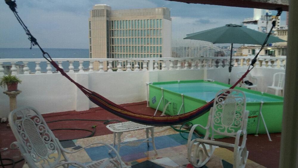 HEC1226: Apartamento de 4 cuartos, 2 baños y 1 garaje por $ 175.000 en Plaza de la Revolución, La Habana