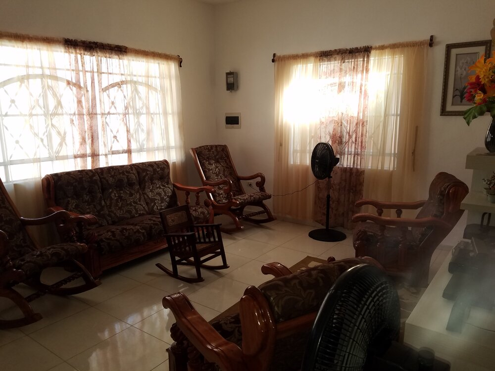 HEC1238: Casa de 3 cuartos y 1 garaje por $ 105.000 en Cienfuegos, Cienfuegos