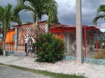 Casa en venta en Cienfuegos con  3 cuartos y 3 baños por $85,000