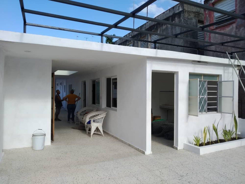 HEC1263: Casa de 4 cuartos, 4 baños y 1 garaje por $ 175.000 en Plaza de la Revolución, La Habana