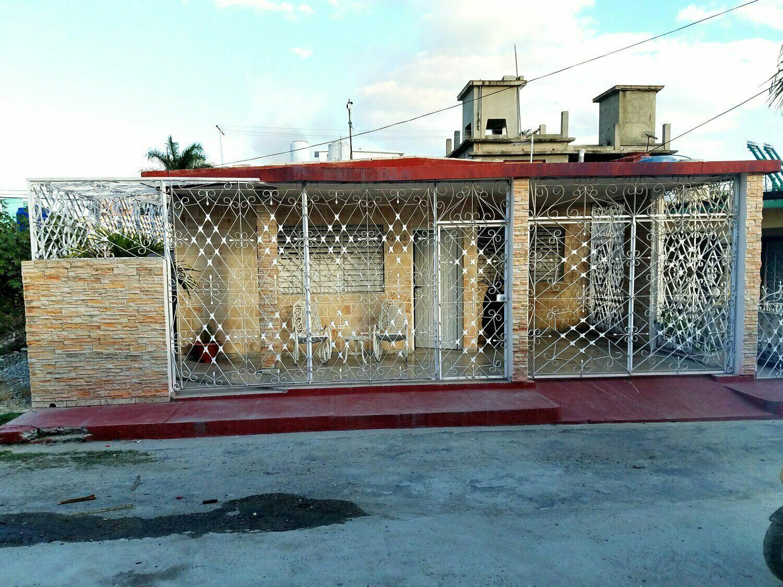 HEC1268: Casa de 3 cuartos, 2 baños y 1 garaje por $ 110.000 en Cienfuegos, Cienfuegos