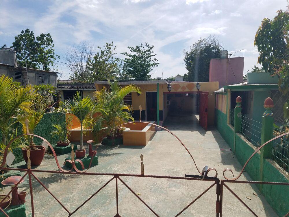 HEC1297: Casa de 4 cuartos, 2 baños y 1 garaje por $ 32.000 en Cienfuegos, Cienfuegos