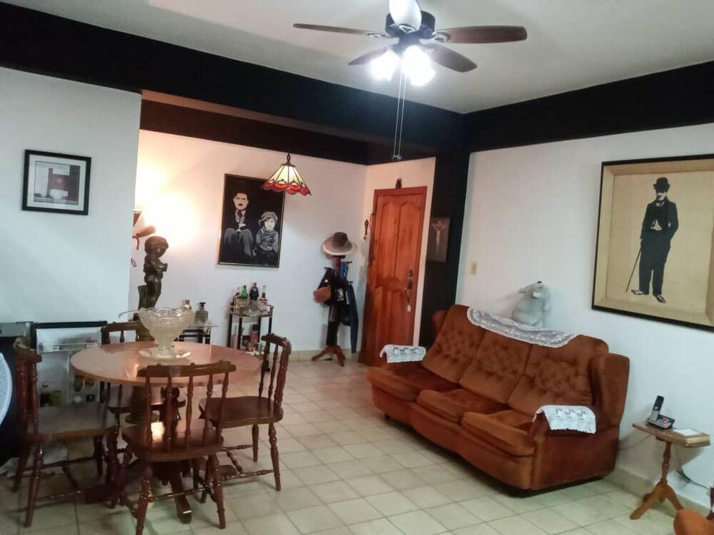 HEC1305: Apartamento de 1 cuarto y 1 baño por $ 40.000 en Plaza de la Revolución, La Habana