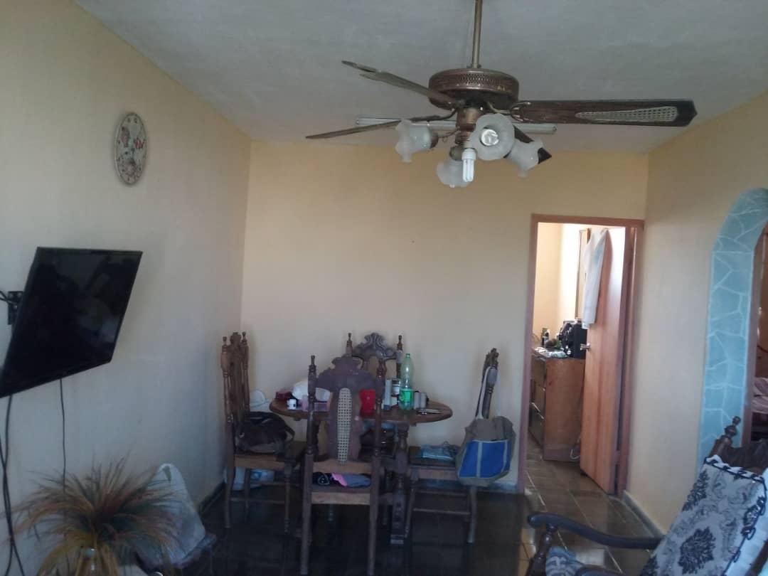 HEC1311: Apartamento de 2 cuartos y 1 baño por $ 22.000 en Playa, La Habana