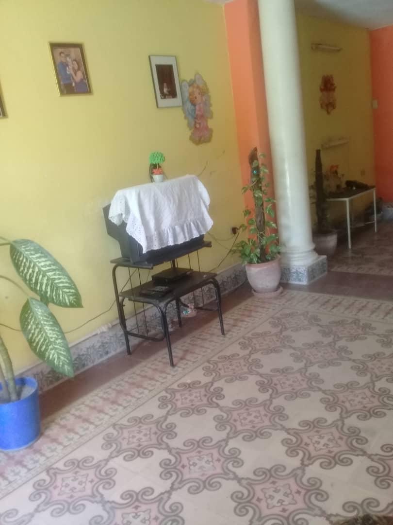 HEC1313: Casa de 4 cuartos y 2 baños por $ 45.000 en Diez de Octubre, La Habana