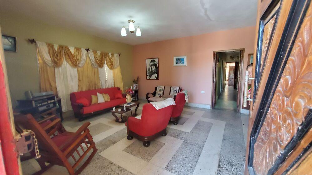 HEC1319: Casa de 6 cuartos, 6 baños y 1 garaje por $ 230.000 en Cienfuegos, Cienfuegos