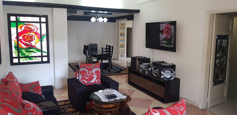 HEC1327: Apartamento de 4 cuartos, 4 baños y 1 garaje por $ 300.000 en Playa, La Habana