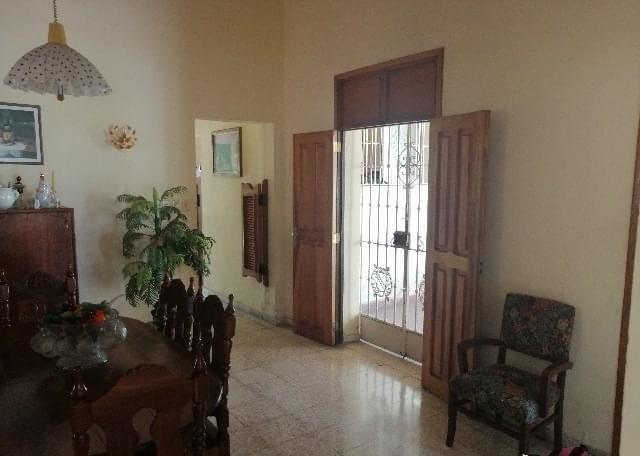 HEC1333: Casa de 4 cuartos, 4 baños y 1 garaje por $ 400.000 en Playa, La Habana