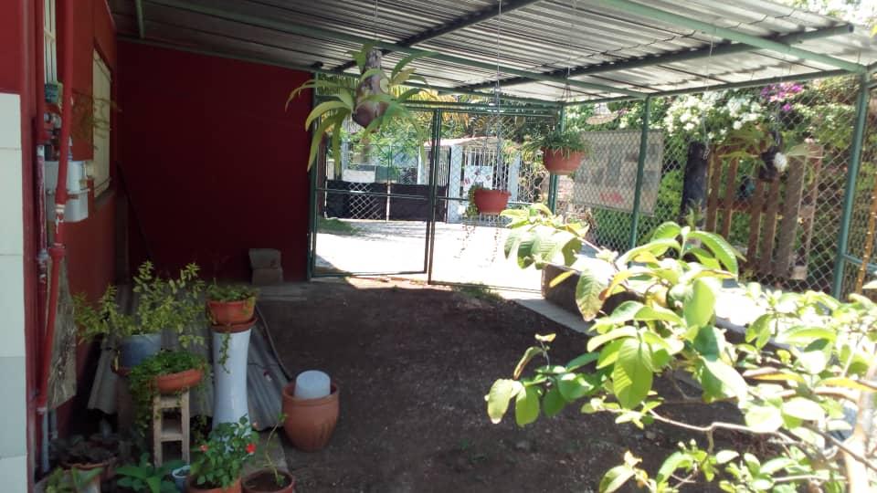 HEC1335: Casa de 3 cuartos, 2 baños y 1 garaje por $ 160.000 en Playa, La Habana